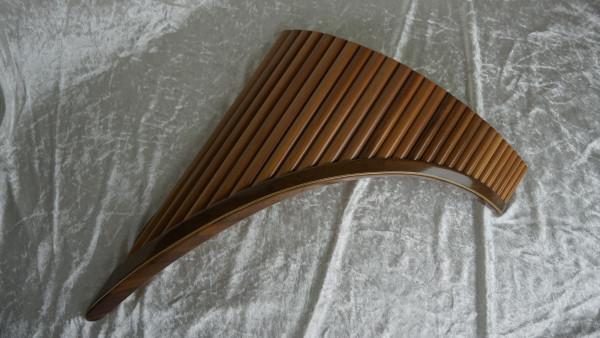 Meister Panflöte 27 Rohre, E-Dur, Birnbaum, mit Koffer